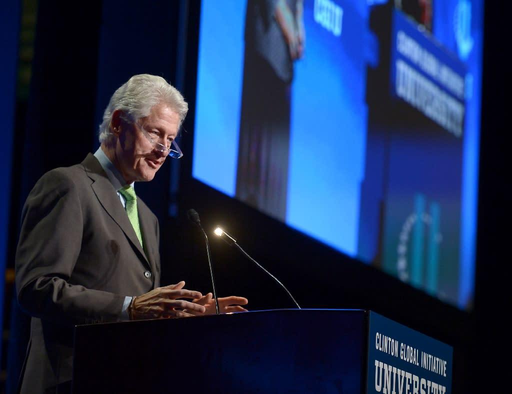 Former President Bill Clinton attends Clinton Global Initiative University in Miami, Florida, on March 6, 2015 (AFP Photo/Rodrigo Varela)