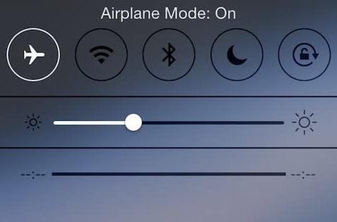 Security team describes iPhone Airplane Mode issue