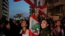 Líbano, em crise, forma novo governo