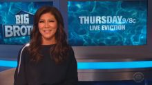 How Julie Chen stood by husband Les Moonves with just one word