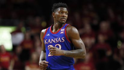 Kansas' Silvio de Sousa opts out of season