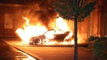 Blaulicht-Blog: Feuerwehr löscht Auto-Brand in Lichtenberg