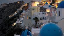 希臘「聖托里尼島」明年起日限8,000人