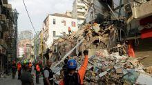 Rescatistas detectan latidos entre escombros de la explosión de Beirut
