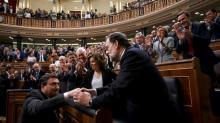 Rajoy consegue aprovar orçamento, apesar de tormenta na Catalunha