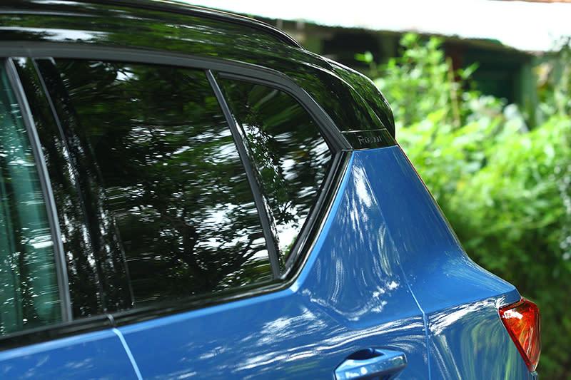 雙色黑車頂是R-Design版本的專屬配置,但我的話可能會更喜歡單色的簡約。