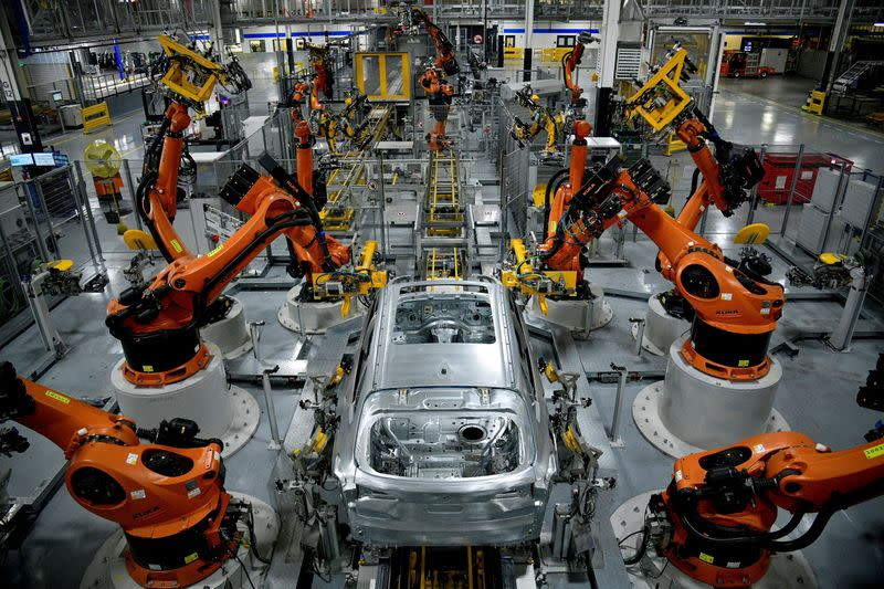 U.S. manufacturing sector progress slowing-ISM