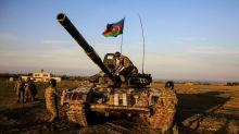 Nuevos combates en Nagorno-Karabaj, Aliyev advierte contra la intervención de Rusia