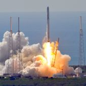SpaceX CEO Musk to present 'mind blowing' Mars plan