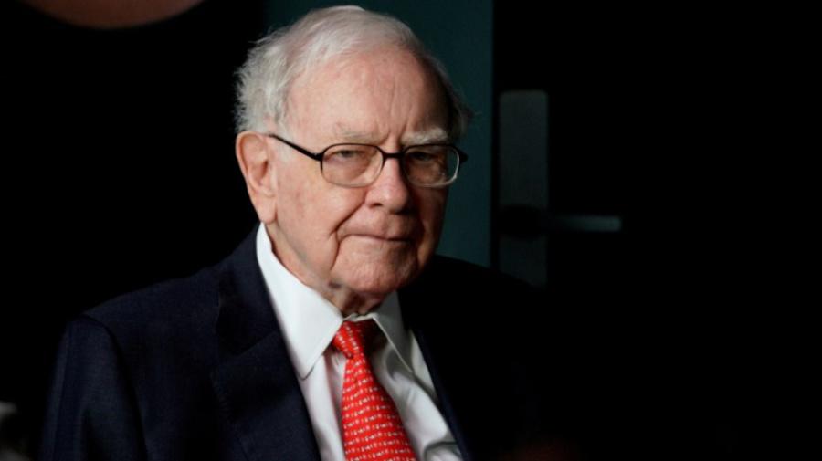 Warren Buffett ups his stake in Apple