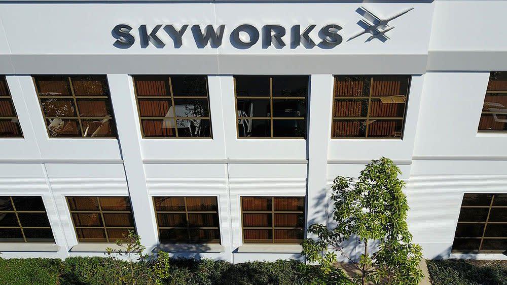 Chipmaker Skyworks Solutions Narrowly Beats Quarterly Targets