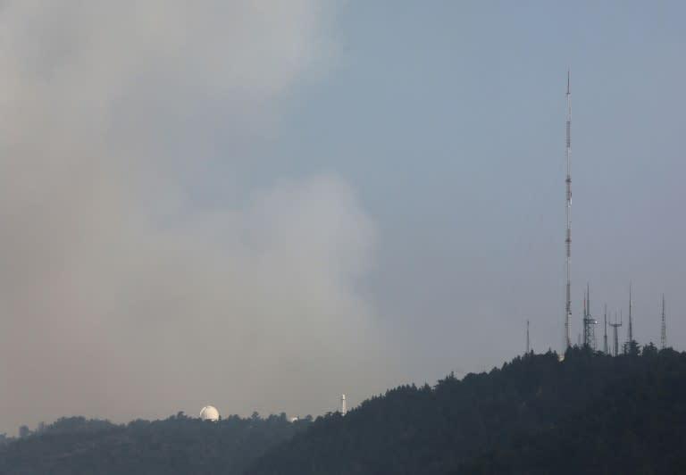 Major fire threatens historic observatory near LA
