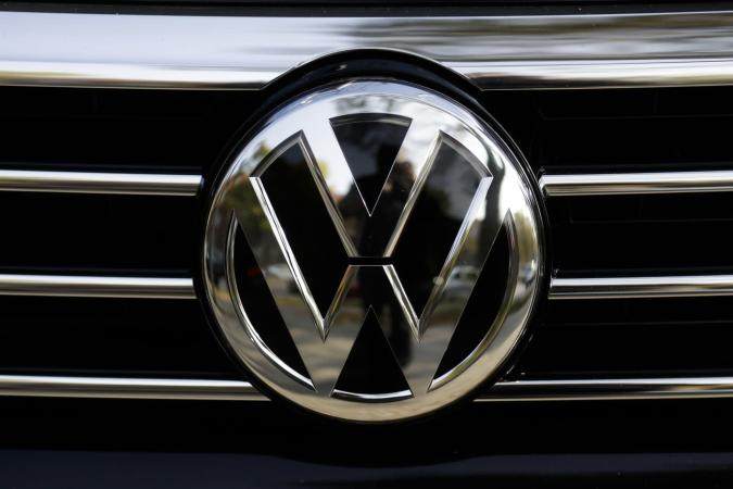 US government sues VW for clean air act violations