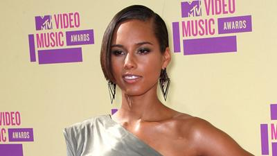 2012 MTV Video Music Awards: Alicia Keys Is A 'Girl On Fire'