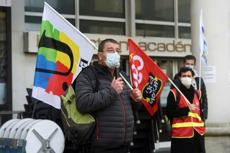 Enseignants, infirmières scolaires et étudiants appellent à la mobilisation nationale mardi