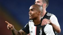 Douglas Costa pode desfalcar Juventus contra Lyon pela Liga dos Campeões