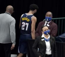 Nuggets' Murray tossed after hitting Mavs' Hardaway in groin