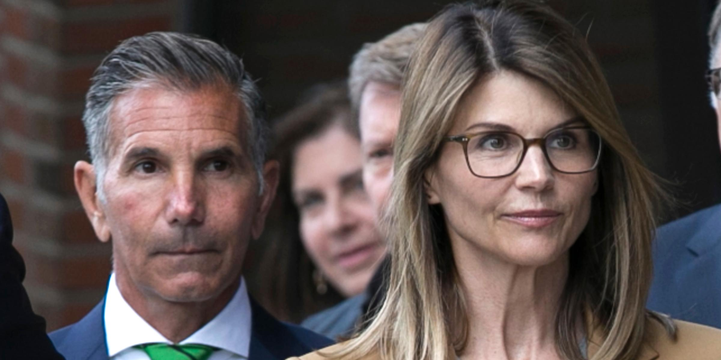 Lori Loughlin's lawyers want bribe scheme case dropped
