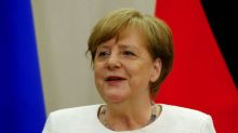 Merkel, Poroshenko discuss gas transit through Ukraine and Minsk agreement
