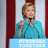 Clinton receives intelligence briefing
