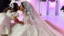 You have to see this HUGE Princess wedding dress