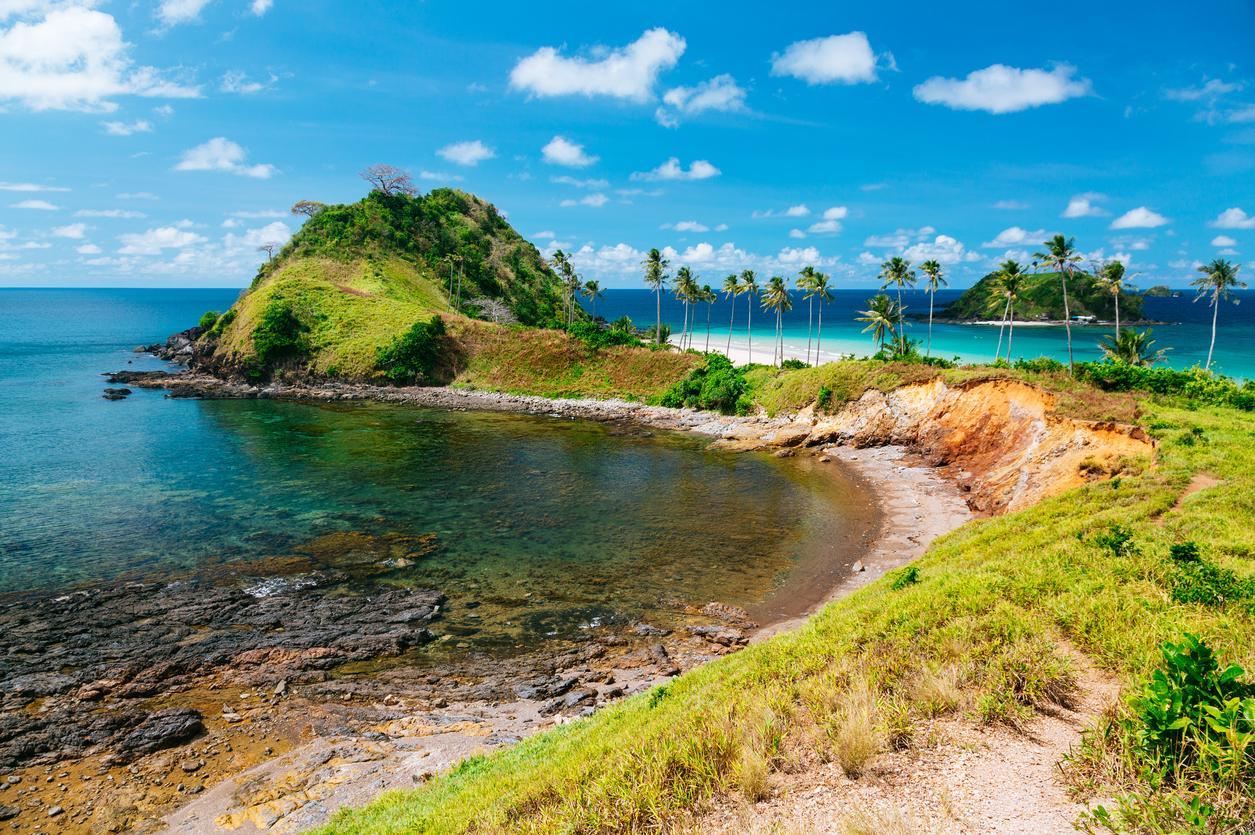 """<p>El Nido is a beachside town that offersclean white sand beaches and coral reefs. El Nido is also known as the 'gateway' to the Bacuit Archipelago, a group of limestone islands off the coast of the Philippines.</p>  <p>TripAdvisor's must-see attraction for El Nido is <a href=""""https://www.tripadvisor.com/Attraction_Review-g294256-d4227525-Reviews-Nacpan_Beach-El_Nido_Palawan_Island_Palawan_Province_Mimaropa.html"""" target=""""_blank"""">Nacpan Beach</a>.</p>"""