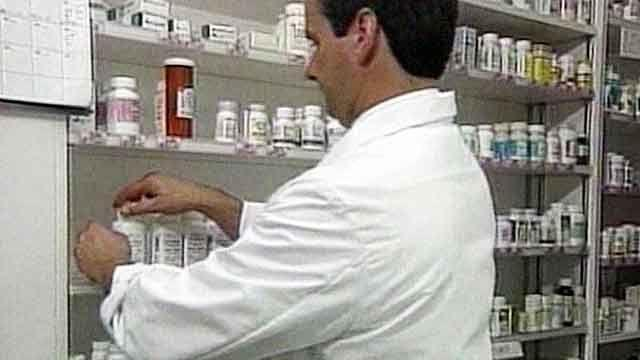 Report: FDA warns about fake online pharmacies