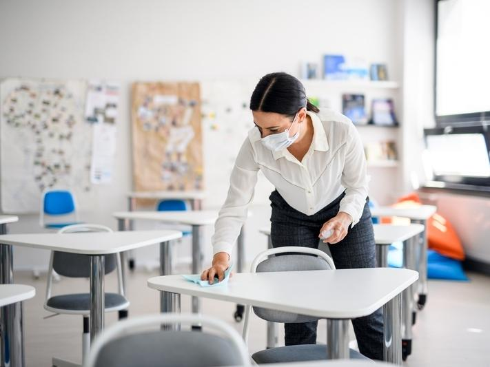 The Connecticut Education Association and others are asking for a statewide policy on how to handle coronavirus cases in schools.