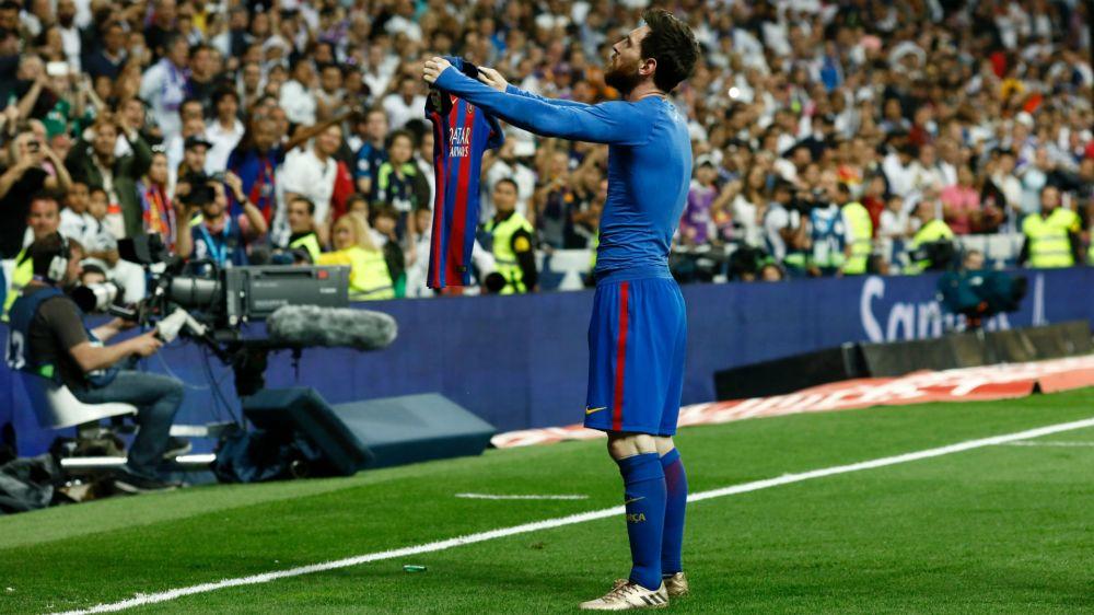 FOTO: El muñeco de Messi celebrando ante el Real Madrid