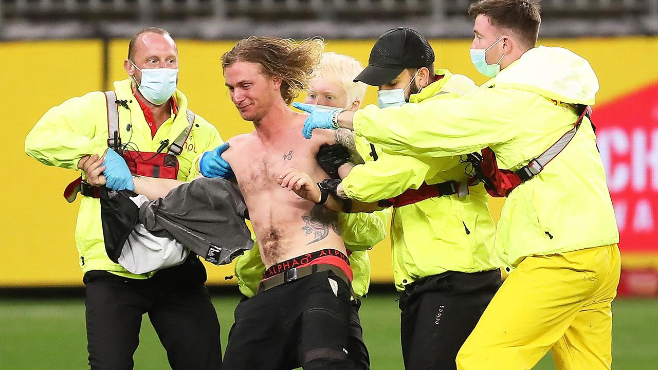 Afl Perth Stadium Pitch Invader Quarantined Fined Up To 50 000