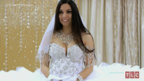 Gypsy Wedding Dress Weighs More Than 100 Pounds