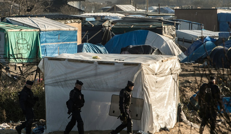 Plans to move up to 1,000 from French migrant camp