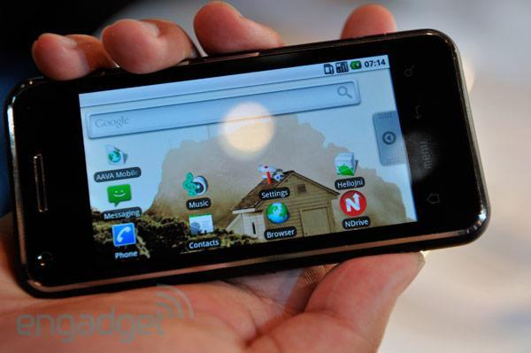 Intel demos Android 2.1 on Moorestown smartphone (video)