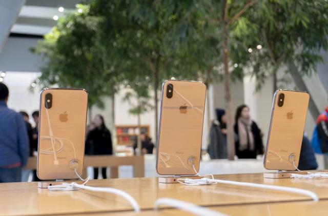 Apple can make US-bound iPhones outside of China if necessary