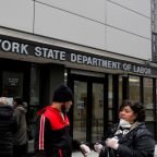 U.S. unemployment offices sitting on mountain of pending claims