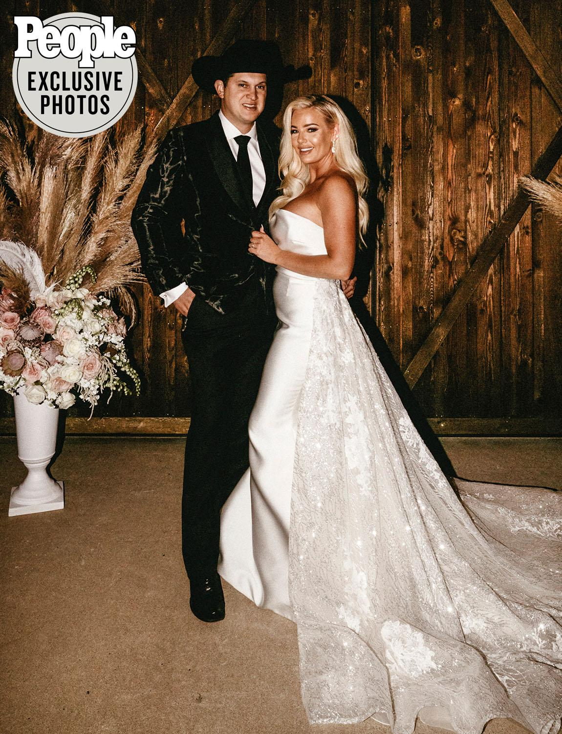 Inside Jon Pardi And Summer Duncan S Rustic Fall Farm Wedding In Tennessee All The Photos