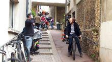 Entre cascades et selfies, Philippe Katerine et Dany Boon tournent à Fontenay-aux-Roses