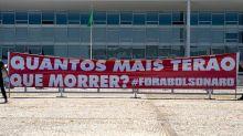 """Bolsonaro atualiza Millôr: """"Democracia é quando eu mando em você"""""""
