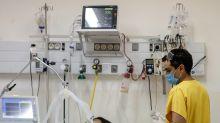 El aumento de los casos graves de COVID-19 en Argentina alerta al sistema sanitario