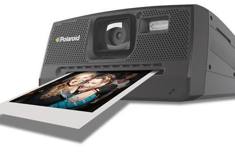 Polaroid releases Z340 Instant Digital Camera, Gaga's Grey Label snapper still on the edge of glory