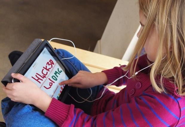 LA officials may delay school iPad rollout after students hack them in a week