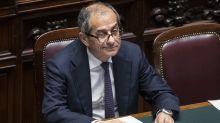 Borsa, Milano brilla dopo le parole di Tria: exploit Unicredit e Intesa