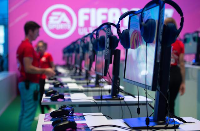 EA meets with gamers to help curb toxic behavior online