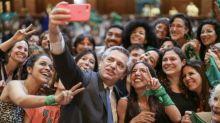 Presidente argentino ratifica que presentará proyecto de ley para legalizar el aborto