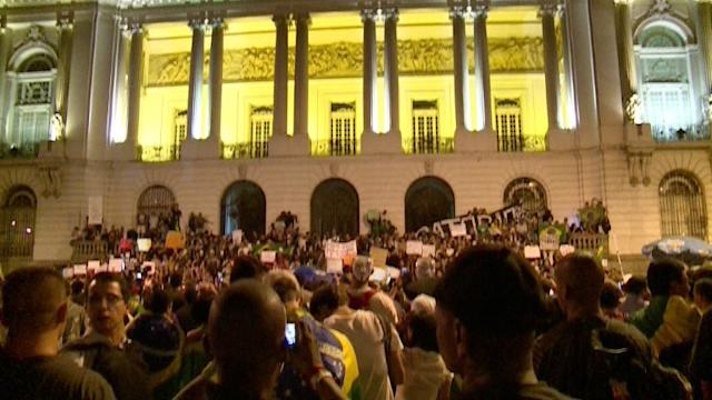 Protesto no Rio repercute propostas do Planalto