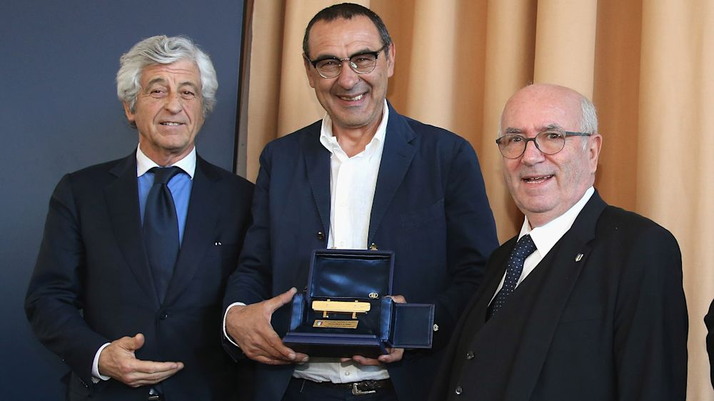 Neapels Sarri italienischer Klub-Trainer des Jahres