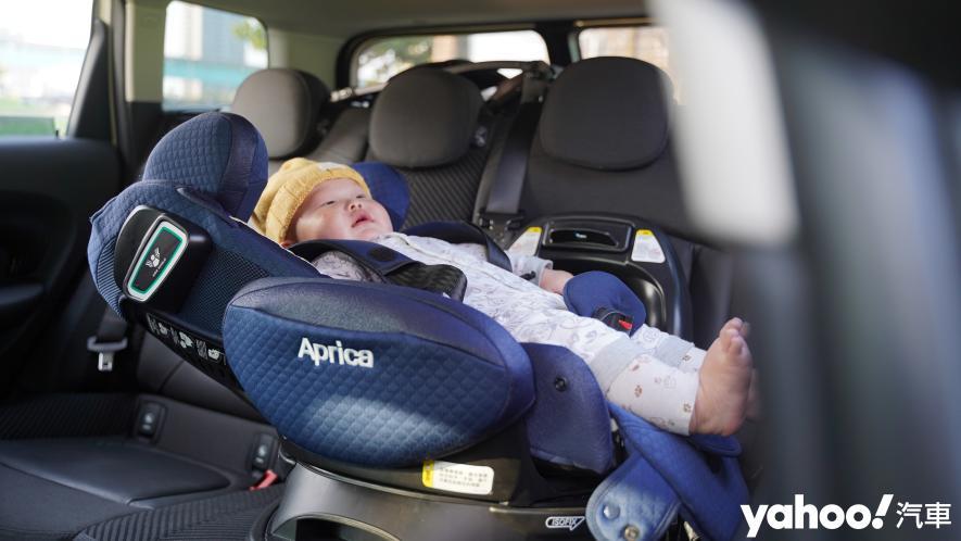 新手爸媽輕鬆上手!育嬰神器Aprica Fladea Grow ISOFIX Premium平躺型安全座椅激推開箱! - 5