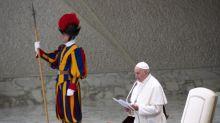 """El Papa critica el """"diagnóstico prenatal"""" y dice que el aborto no es la solución"""
