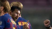 Lionel Messi le negó el saludo al árbitro y a un rival después del partido entre Barcelona y Napoli
