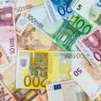 EUR/USD Price Forecast – Euro Continues to Be Resilient